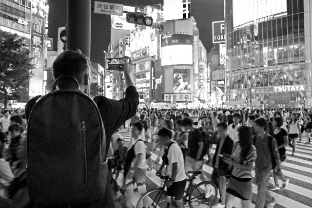 街中で動画撮影